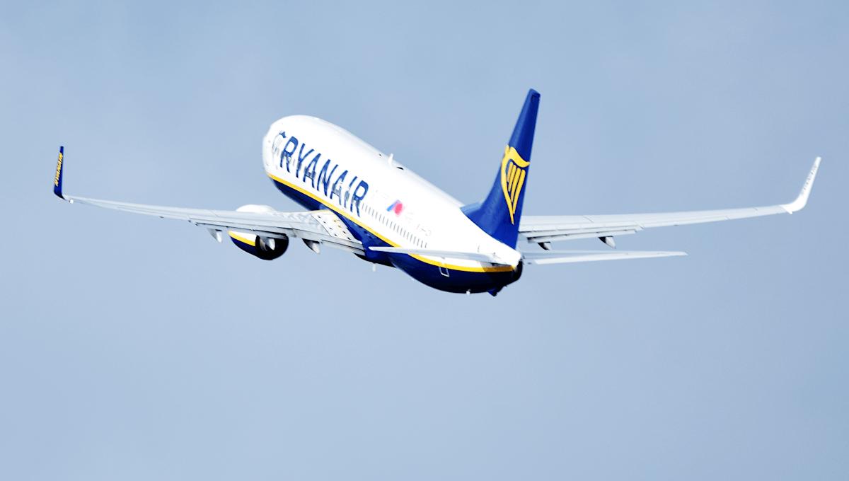 Ein Flugzeug der Fluggesellschaft Ryanair - diese Maschine läßt sich mittels Flugverfolgung über Plane-Finder tracken.
