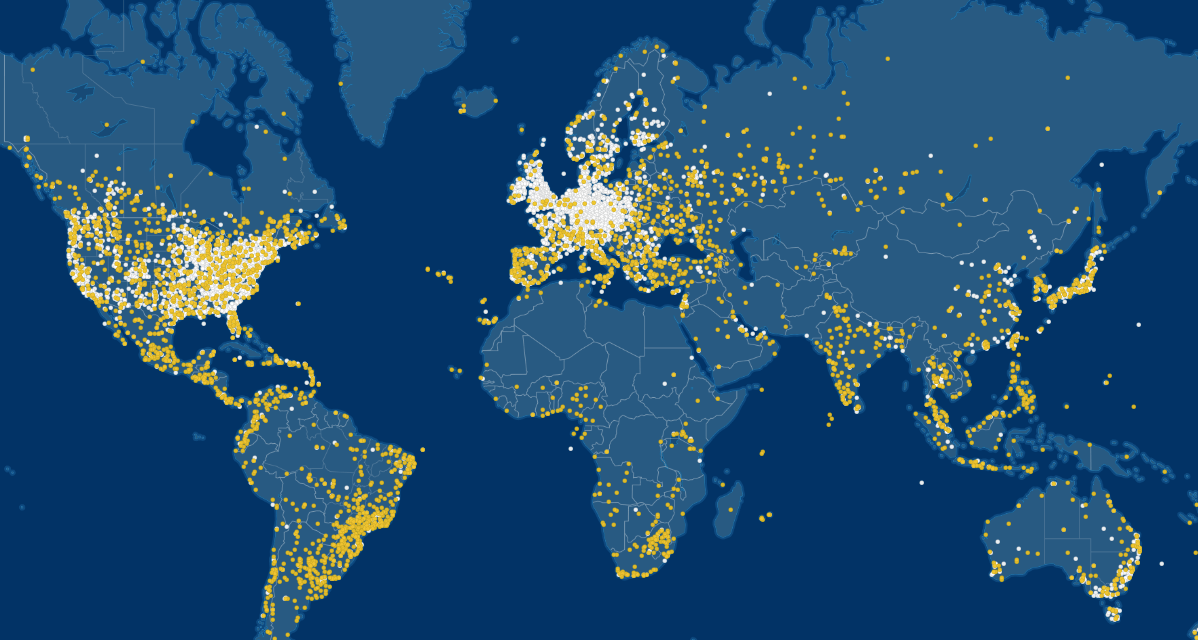 World map with position information of receivers: The flight tracker FlightAware has a high coverage in North America and Europe.