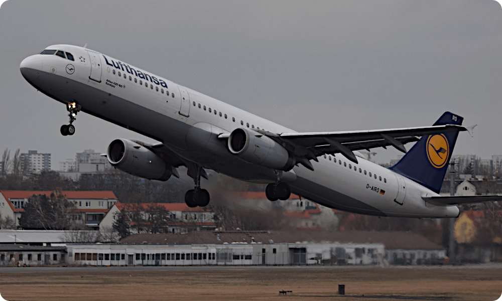 Lufthansa is among the airlines to be found at flightradar.